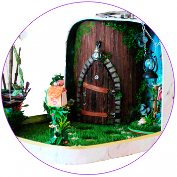 Travel dollhouses